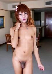 19 year old naughty Thai ladyboy Waii sucks off tourist and licks up his cumshot