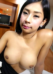 20 year old horny Thai ladyboy gives a blowjob and gets a cumshot